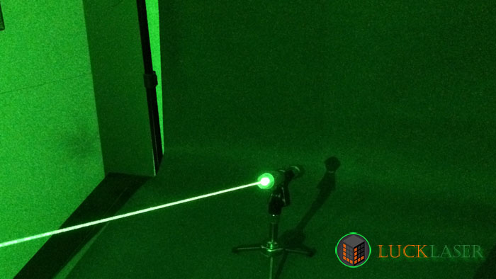 strong green laser pointer