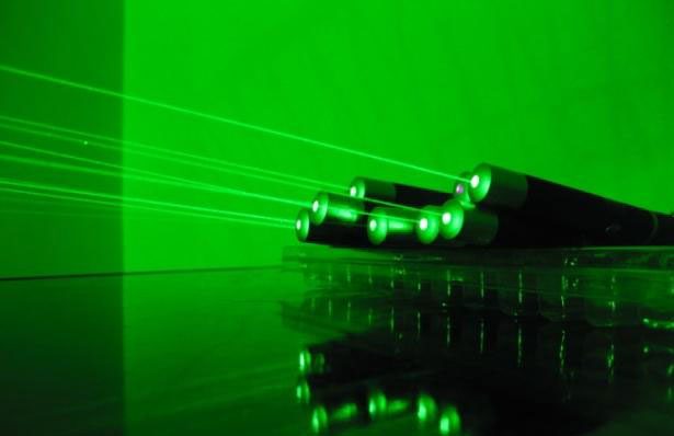 100mw~200mw Green laser Pen style Astronomy Point to Star