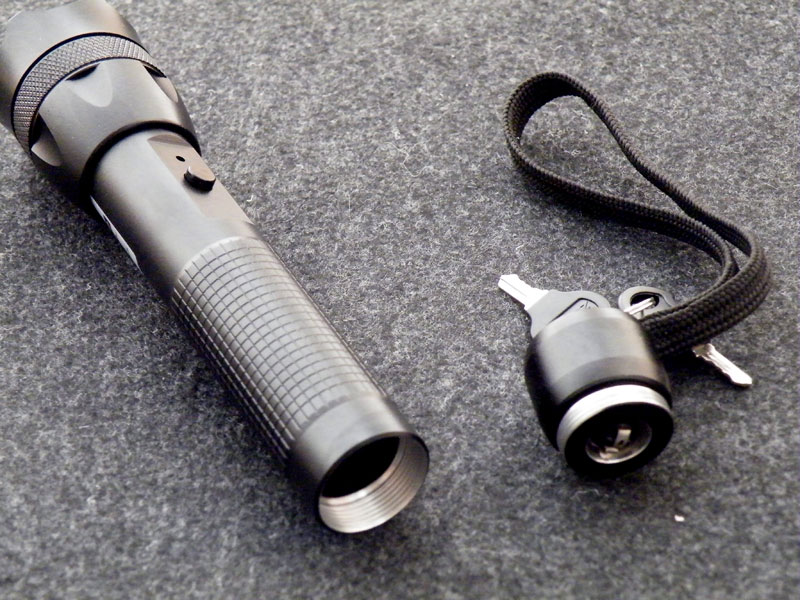 300mw Green Laser glare flashlight for outdoor -- With Pulsating mode
